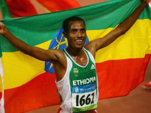 2005年 ケネニサ・ベケレ(エチオピア)26分17秒53 ブリュッセル(ベルギー)