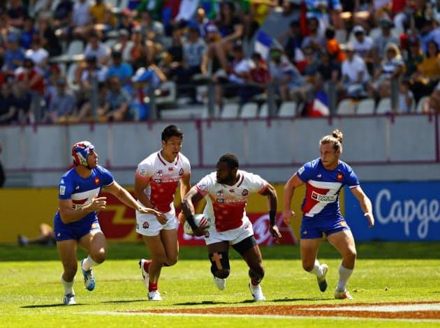 ラグビー7人制は広いフィールドをスイスイと動き回る少人数ラグビー
