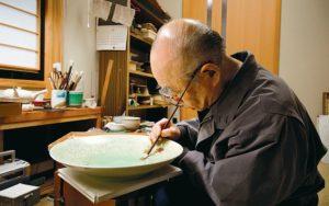 人間国宝の陶芸家、吉田美統氏がデザイン
